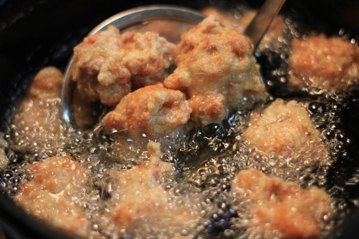 【ふるさと納税】間違いないおいしさ!とり香杏の味付けからあげ(生約800g×2)