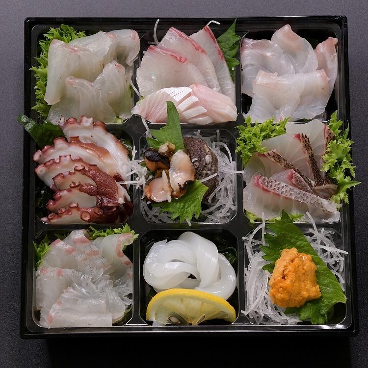 必ず配達日のご指定をお願いします。 【ふるさと納税】新鮮 旬魚 地魚 旬のお刺身盛合せ 3~4人前(冷蔵) (1255)
