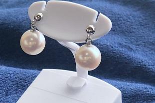 """【ふるさと納税】【AJ-4(B)】あこや本真珠8ミリ珠の""""ピアス"""""""