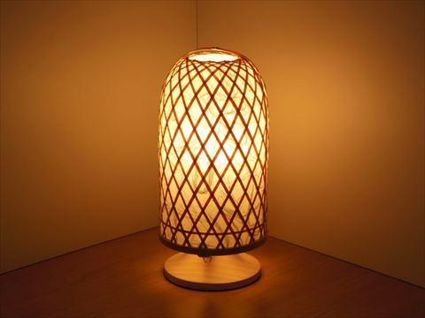 薄い手漉き和紙から溢れる灯りは 癒しの空間を作り出します ふるさと納税 0350102 竹細工 巣篭り 室内照明 ~ 市場 お買い得 柔らかい曲線が美しい心温まる手づくり照明です ~竹細工職人が緻密に組み上げた