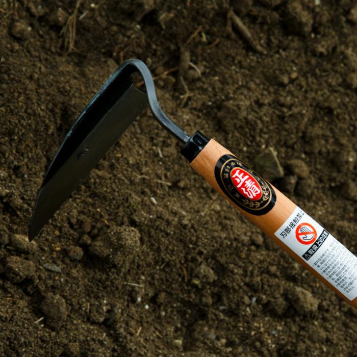 新生活 草の根から土ごと削り取る片手で使用する除草具です ふるさと納税 b-154除草作業が楽しくなる草取り鎌 草刈り鎌 4丁セット 最安値挑戦
