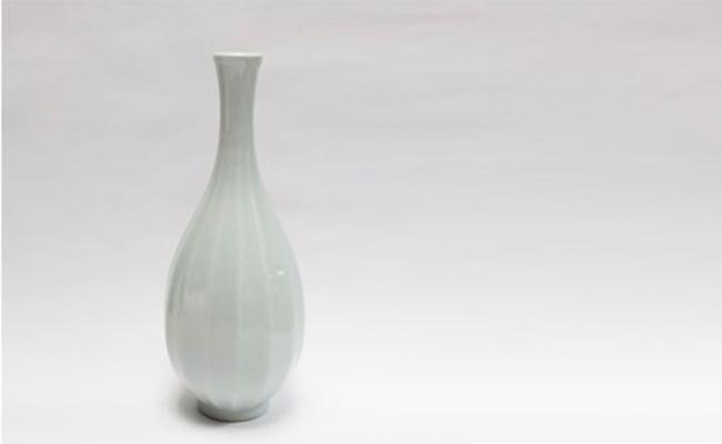 魅力の 花瓶(中)鎬一輪挿 A60-22【ふるさと納税】[アウトレット]十 ...