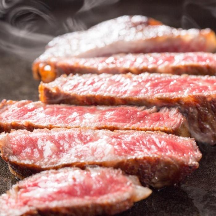 """ランキングTOP10 熊本の大地が育んだ あか牛 脂が少なく""""さっぱり""""しているが とってもジューシーな肉質が特徴です ふるさと納税 120g×3パック 高級 熊本県産 くまもとあか牛ヒレステーキ 360g"""
