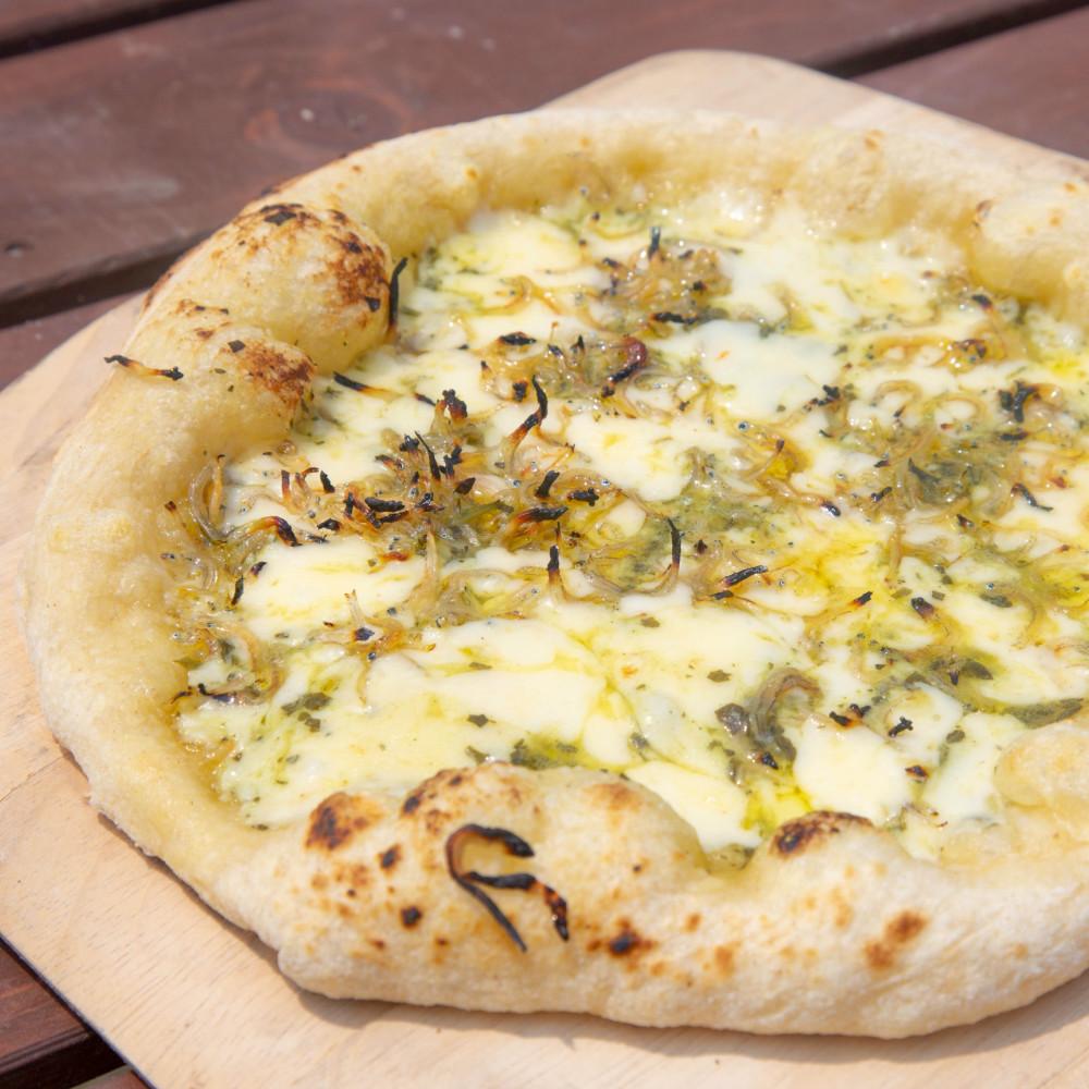 キッチンカーで人気の溶岩Pizzaがご自宅で味わえます! 【ふるさと納税】【地元で大人気】特撰溶岩ピザ3枚(黒豚・たかえび・しらす)