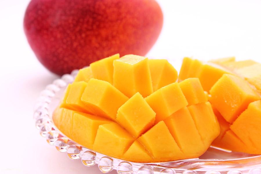 【ふるさと納税】奄美の完熟マンゴ-約1kg