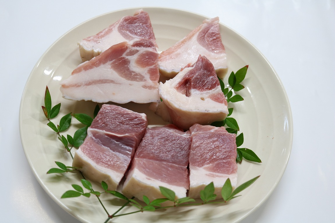 【ふるさと納税】鹿児島県奄美大島産「島豚」スネ肉(2kg)