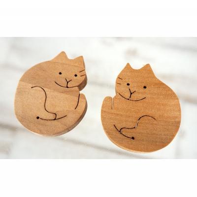 【ふるさと納税】沖縄の木で作った 猫の箸置きペア(イジュ)