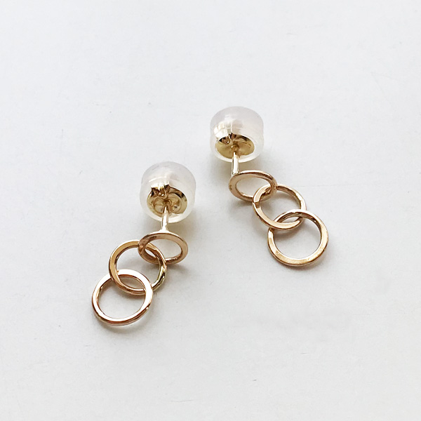 【MELISSA JOY MANNING/メリッサジョイマニング】14 karat gold mini triple circle earringsハンドメイド ジュエリー アクセサリー 14金 ゴールド シルバー メタル ピアス イヤリング プチピアス 人気モデル