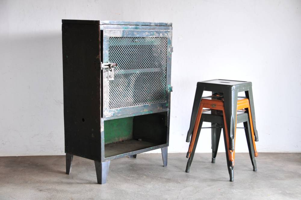 Vintage Industrial Iron cabinet【中古】ビンテージ アイアン製キャビネット