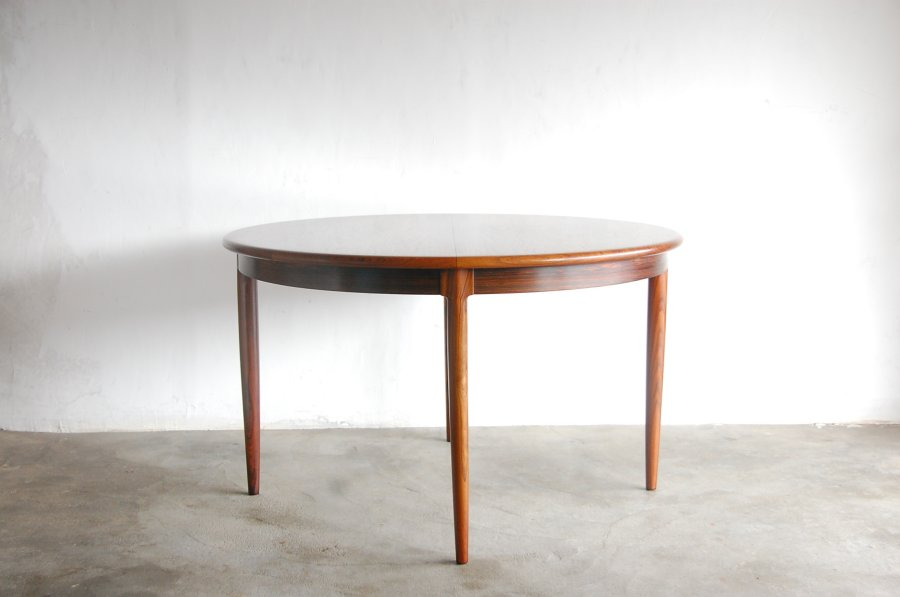 Model 15 Rosewood dining table N.O.Moller