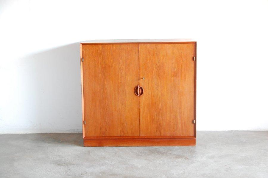 Peter Hvitz&Molgaard Nielsen/ teak cabinet(1956)【中古】
