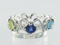 刻印できるティアラベビーリング宝石3個【プラチナ】【ペンダントヘッド】出産記念 誕生祝い 出産祝い