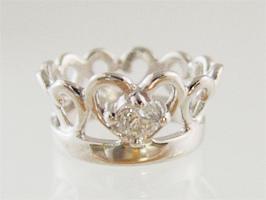 今ダケ送料無料 かわいいティアラに宝石をあしらったベビーリング 刻印できるティアラベビーリングK10ホワイトゴールド ダイヤモンド ペンダントヘッド 並行輸入品 出産記念 出産祝い 誕生祝い