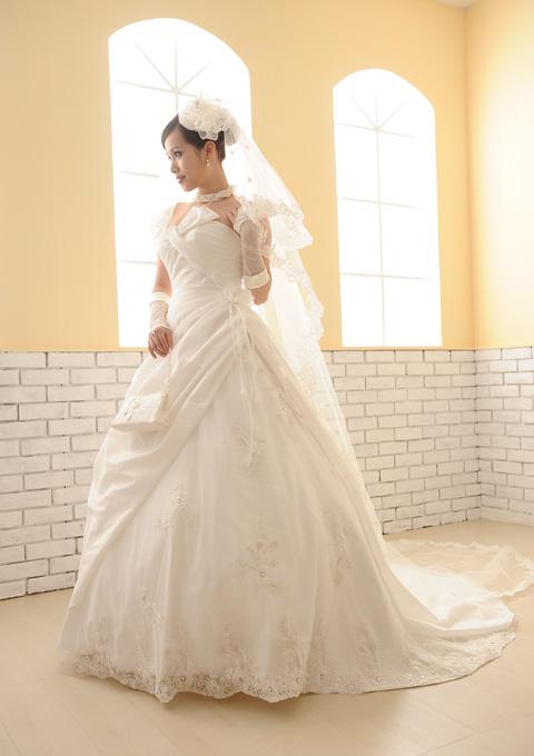 【サイズオーダー】【5~17号】ウェディングドレス 刺繍レースがエレガント D-1105-D04