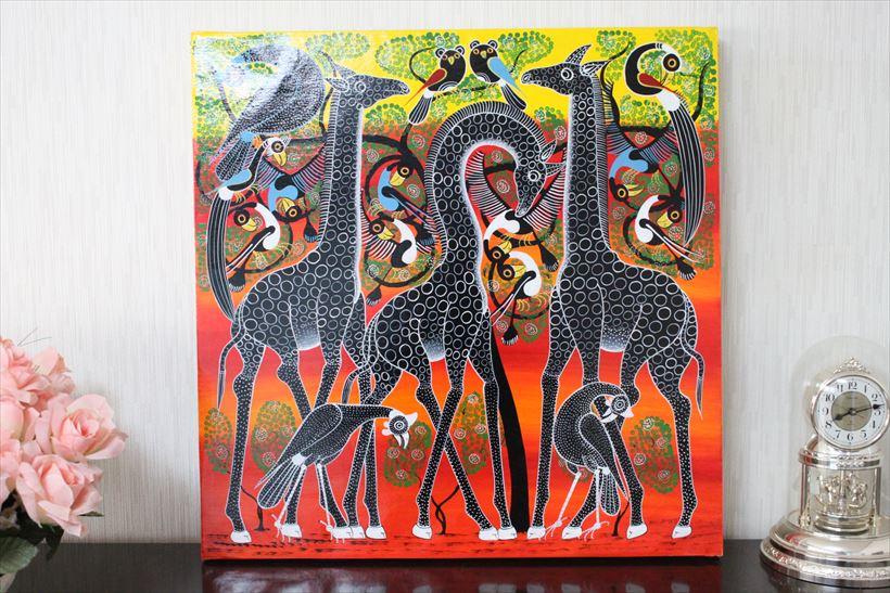 【即納・生原画ティンガティンガ】ムワメデイ<MWAMEDI>の「3頭の黒キリン」 大きめ60x60cm木枠張り・カンと紐つきでスグ飾れます バックカラー:黄色‐赤