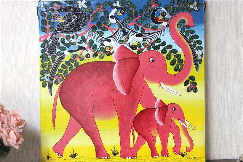 【即納・生原画ティンガティンガ】ムワメデイ<MWAMEDI>の「ピンクのゾウ」 大きめ60x60cm木枠張り・カンと紐つきでスグ飾れます バックカラー:黄