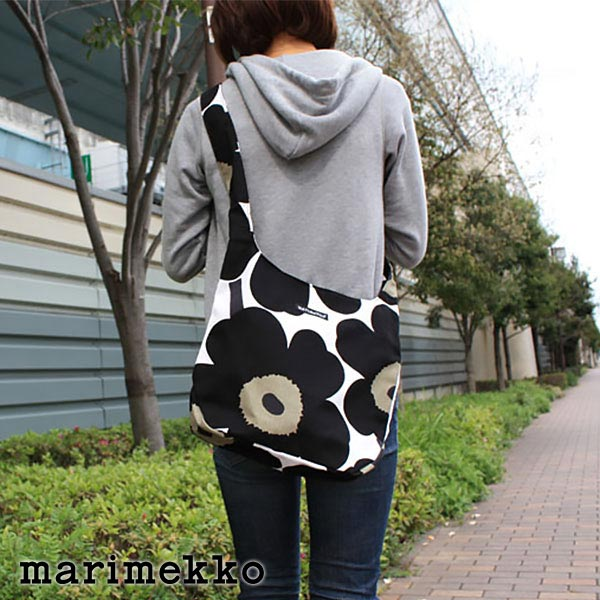 マリメッコ ( marimekko )Clover ショルダーバッグ / ブラック.
