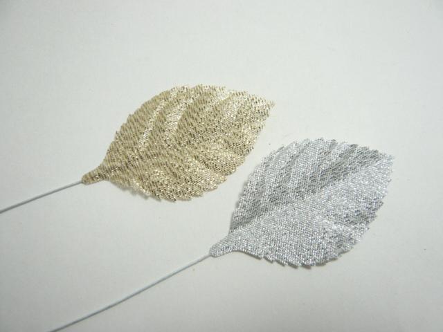 買取 造花 リーフ 使い勝手の良い メール便対応 バラ M 5cm プレゼント ギフトを演出する造花のラッピングツール 銀 金 1枚