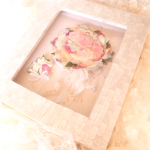 【激安】 送料無料 ブーケ保存 Perla 花束可 3D - × ペルラ 3D - - 3D押し花(253mm × 302mm) 「真珠」を意味する「ペルラ」のフレーム 挙式前/挙式後可 花束可 ブートニアも一緒に 誕生日/結婚記念日/母の日/父の日/敬老の日【ブーケ保存加工専門店ファティーナ・フィオーレ】, 全国ふとん丸洗いドットねっと:8dc33c85 --- supercanaltv.zonalivresh.dominiotemporario.com