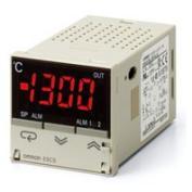 在庫品 オムロン E5CS-QKJU-W AC100-240 48×48mm 電圧出力(SSR駆動用)警報接点なし プラグインタイプ(8ピン) 熱電対入力 サーマックS 温度調節器(デジタル調節計)