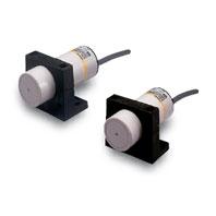 在庫品 オムロン E2K-C25ME1 2M 長距離タイプ近接センサ 非シールド φ34mm 直流3線式 検出距離25mm 動作モードNO NPN電圧電流出力 コード引き出しタイプ(2m)