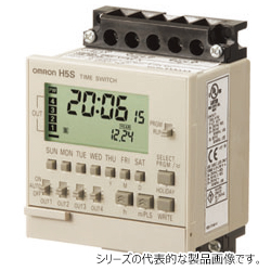 オムロン H5S-YFA4-X 72×72mm AC100~240V 年間4chタイプ 和文表記形式 表面取りつけ デジタル・タイムスイッチ