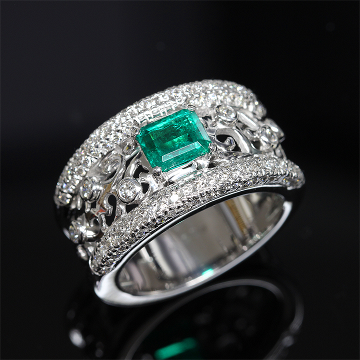 【返品可能】 【エメラルド】K18WG【リング】E0.99ctD1.08ct emerald【中古】【ゴージャス】【幅広】