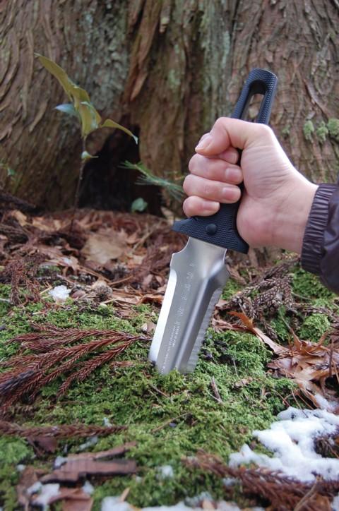 金与不锈钢制造深剑 (みやまとう) No.830 鞘弯曲铲型叶片灌木丛中支付,挖入学作出完善户外刀日本地面