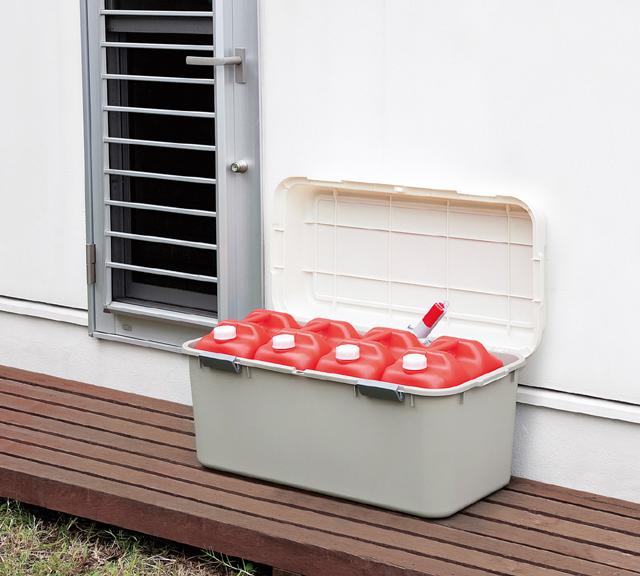 理想的高容量存储盒煤油 polytank 多功能家 880 各种储藏盒 !  在园艺设备和户外装备的存储 !  在为卡车床用储藏箱小卡车 ! 日本制造的