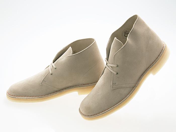 ☆激得☆大人気メンズ&レディース 靴/スニーカー/ブーツ/サンダルが大特価セール SALE開催中!!店内全品送料無料&最安値に挑戦!! クラークス CLARKS ORIGINALS DESERT BOOTS デザートブーツ SAND SUEDE サンド スエード #26138235