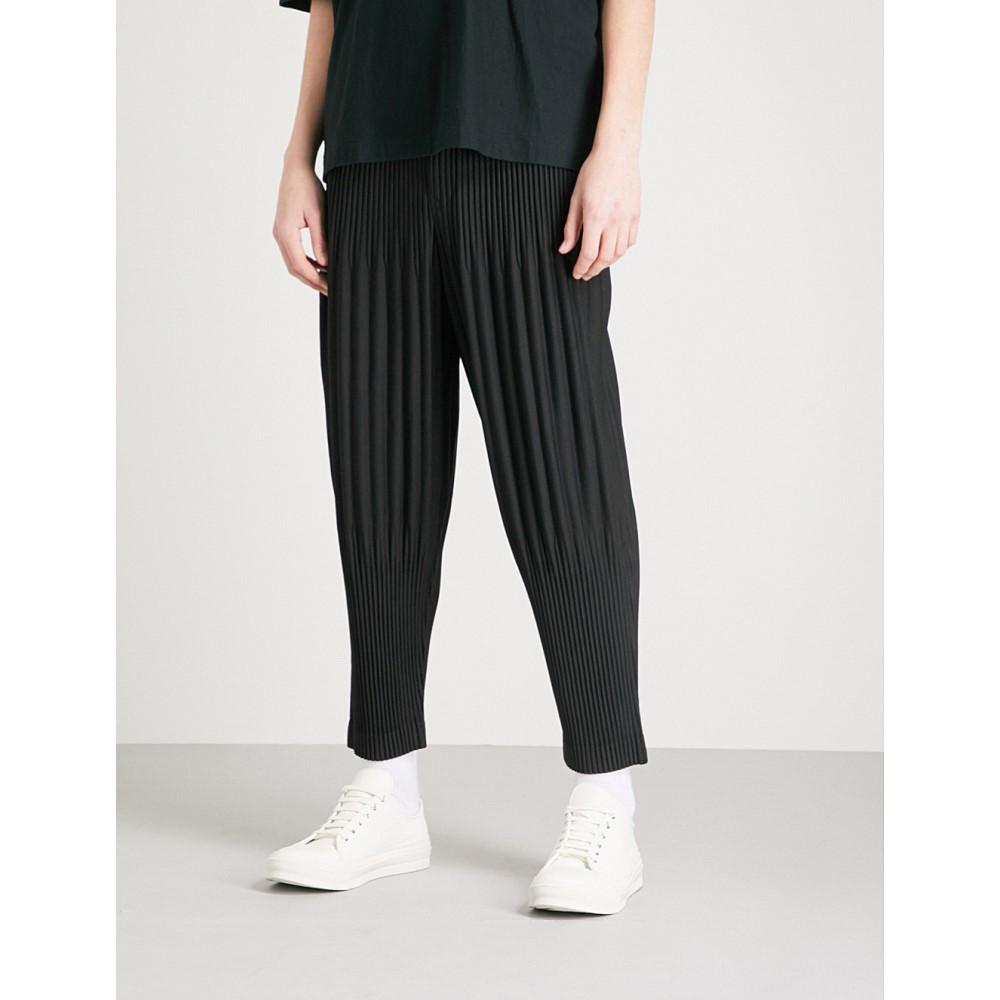イッセイ ミヤケ メンズ ボトムス・パンツ【relaxed-fit pleated crepe trousers】Black