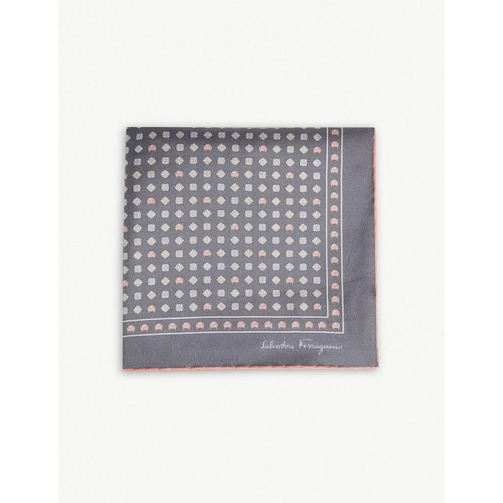 サルヴァトーレ フェラガモ salvatore ferragamo メンズ ハンカチ・チーフ【car print silk pocket square】Grey