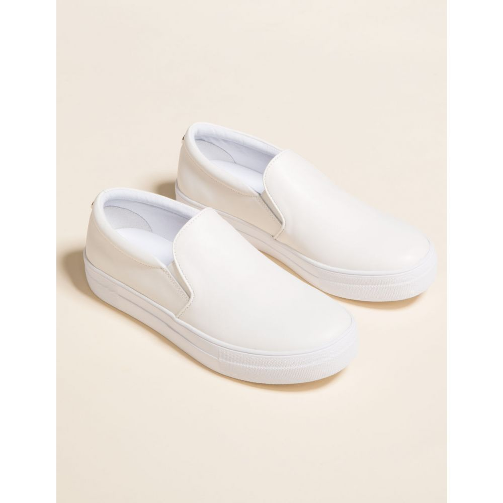 スティーブ マデン STEVE MADDEN レディース スリッポン・フラット シューズ・靴【Gills Black Suede Shoes】WHITE