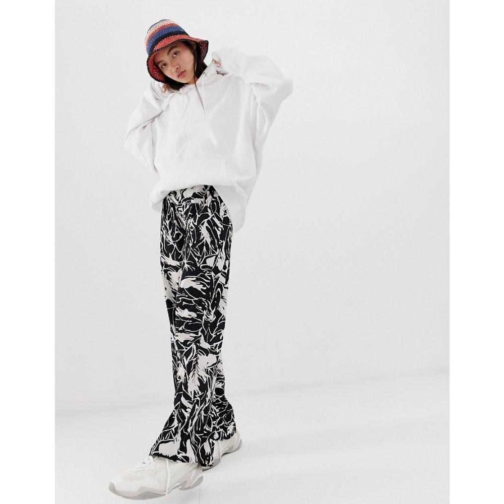 ウィークデイ Weekday レディース ボトムス・パンツ【wide leg trousers in black and white forest print】Inkflower cw c