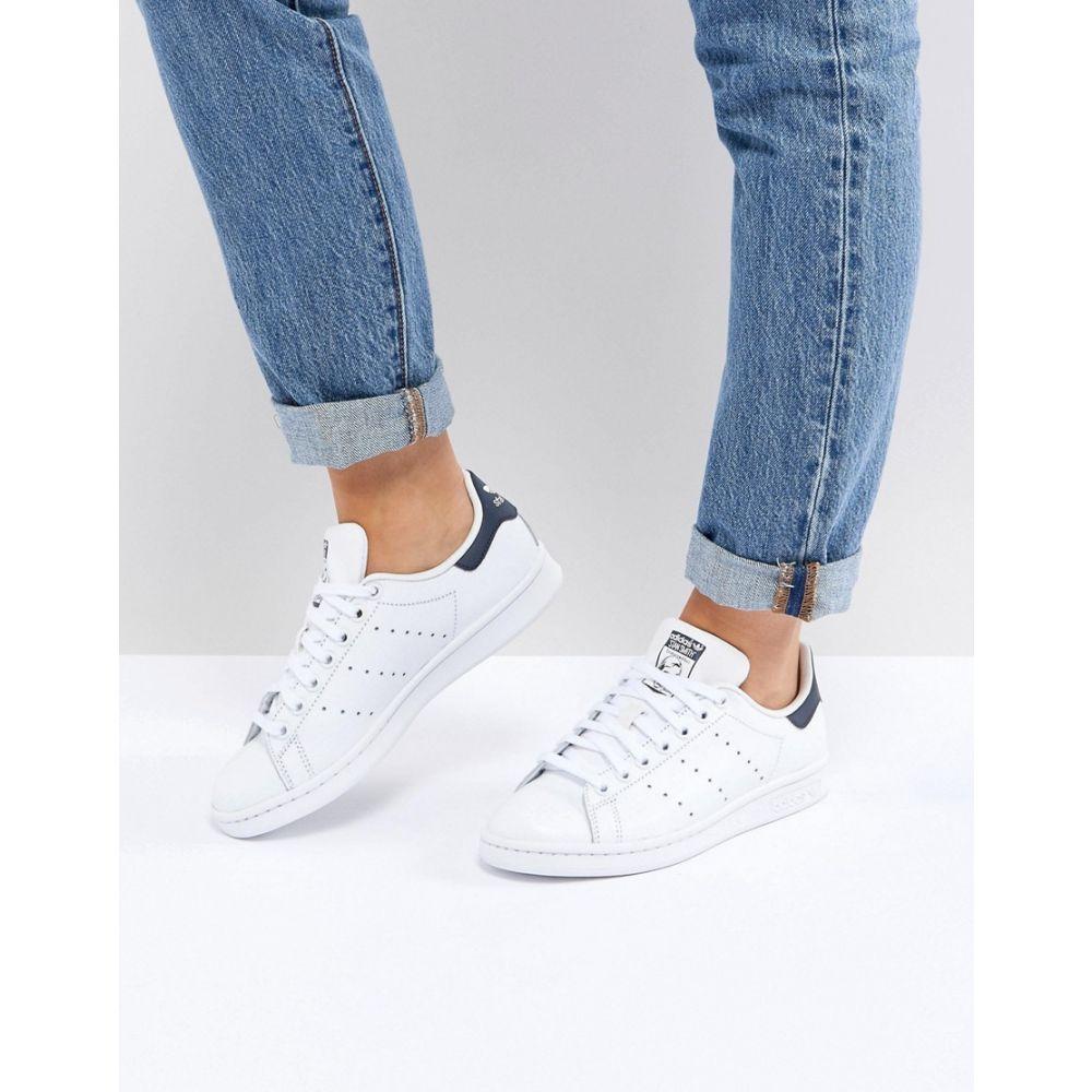 アディダス adidas Originals レディース シューズ・靴 スニーカー【Adidas Originals Stan Smith trainers in white and navy】White