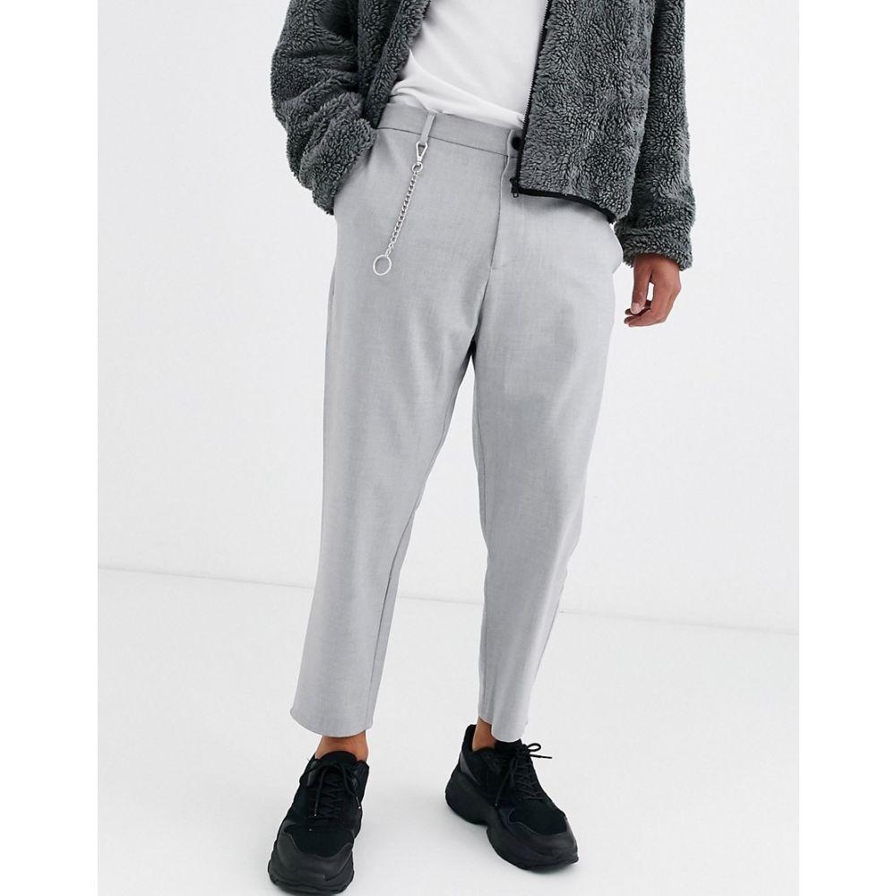 ベルシュカ Bershka メンズ ボトムス・パンツ 【carrot fit trousers with chain in grey】Grey