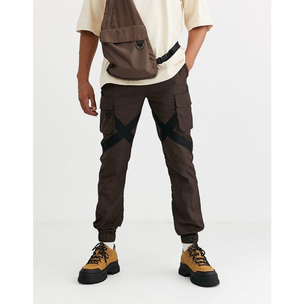 エイソス ASOS DESIGN メンズ カーゴパンツ ボトムス・パンツ【co-ord cargo trousers with strapping in brown】Brown