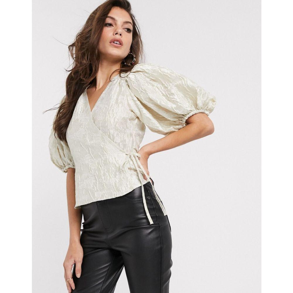アンドアザーストーリーズ & Other Stories レディース ブラウス・シャツ トップス【jacquard puff sleeve wrap blouse in off-white】Off white