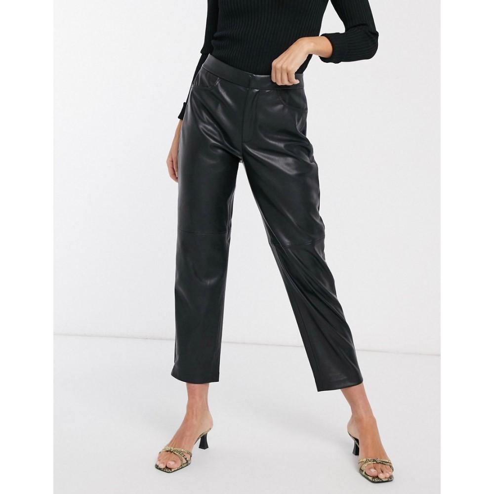 マンゴ Mango レディース ボトムス・パンツ 【faux leather panelled trousers in black】Black