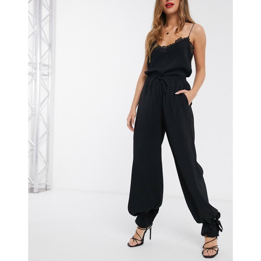 ヴェロモーダ Vero Moda レディース ボトムス・パンツ 【tailored trousers with tie hem detail in black】Black