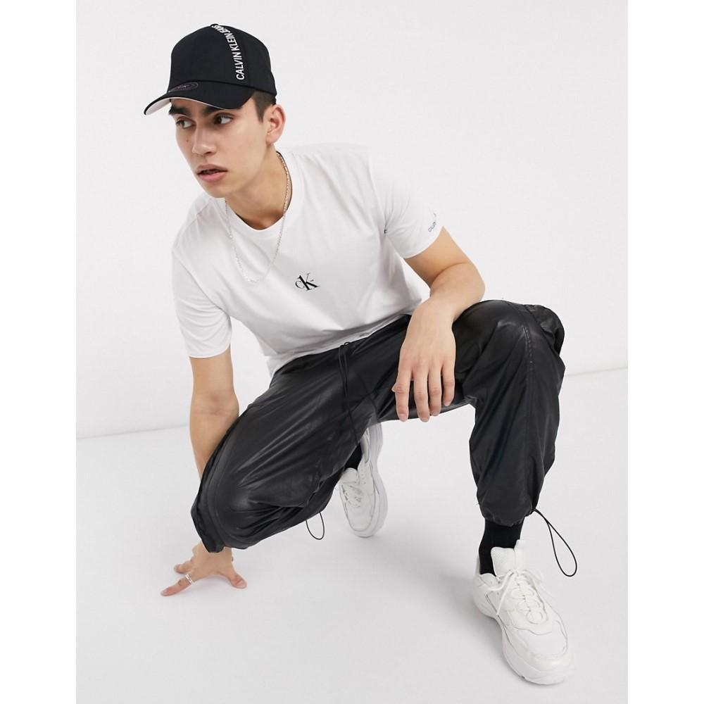 カルバンクライン Calvin Klein Jeans メンズ Tシャツ トップス【CK1 Capsule small logo t-shirt in white】White