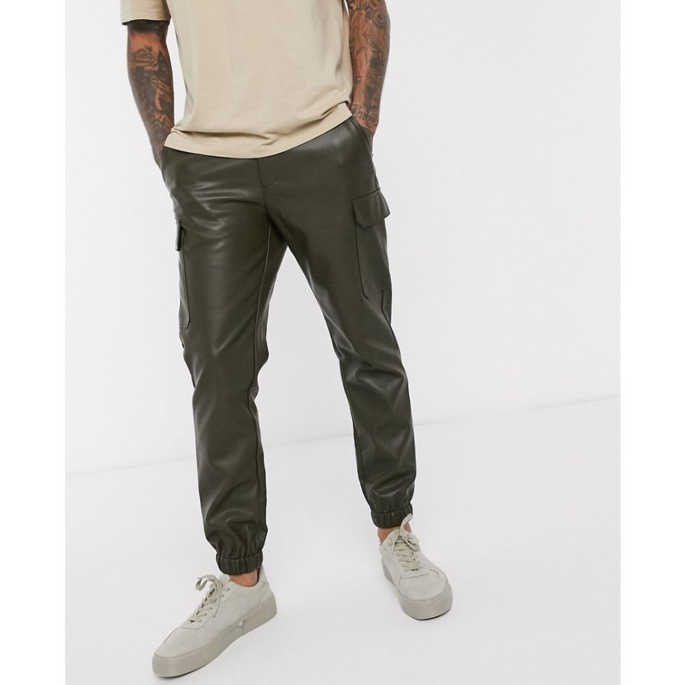 エイソス ASOS DESIGN メンズ カーゴパンツ ボトムス・パンツ【skinny faux leather cargo cuffed trousers in green】Khaki