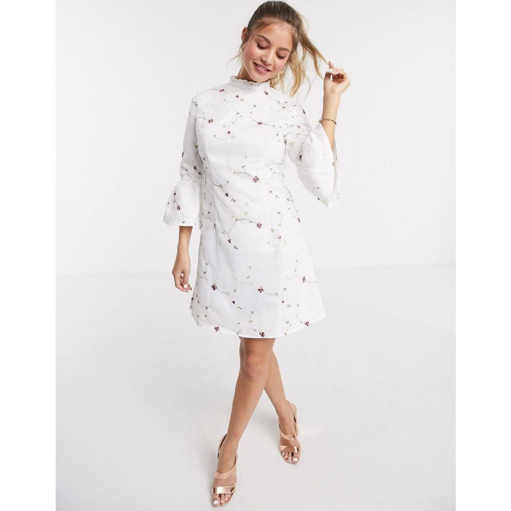 チチロンドン Chi Chi London レディース ワンピース ミニ丈 ワンピース・ドレス【Chi Chi Fern mini A line dress in white embroidery】White