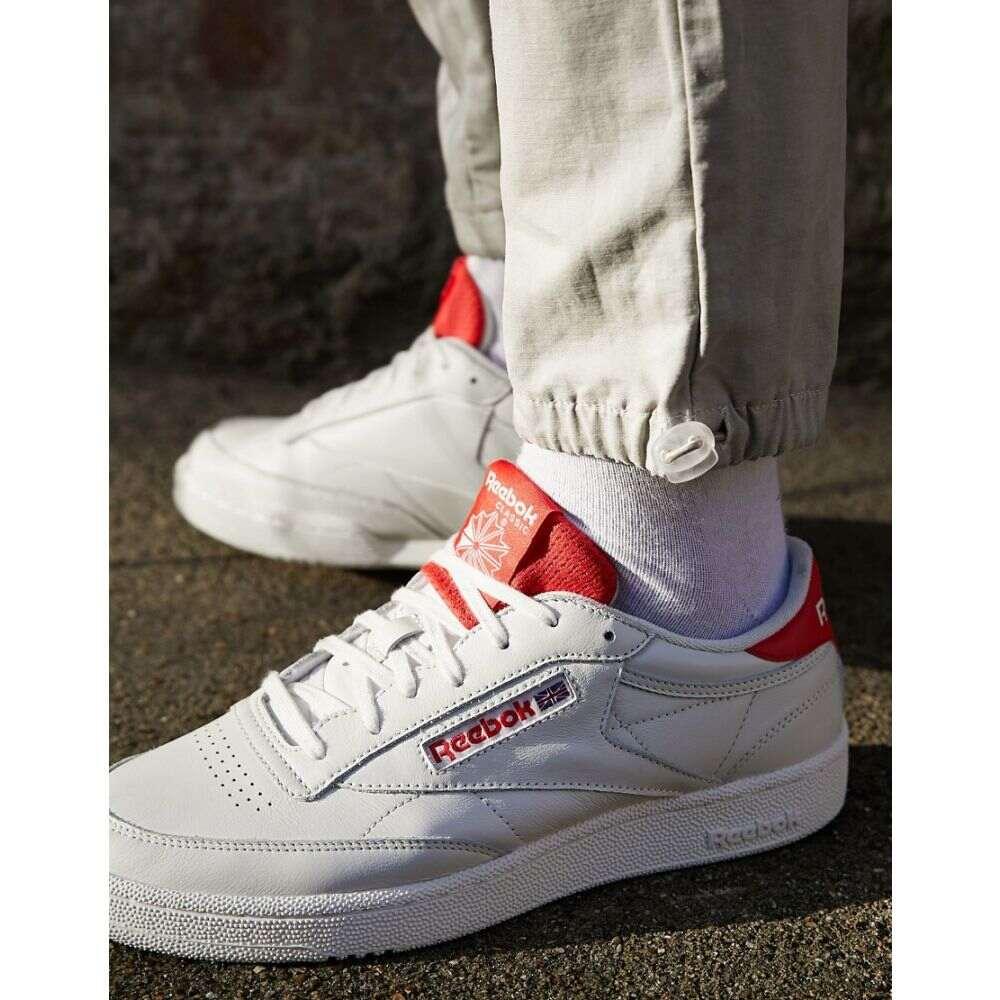 リーボック Reebok メンズ スニーカー シューズ・靴【Classic Club C 85 Mu Trainers In Off White With Red Back Tab】Wh - white