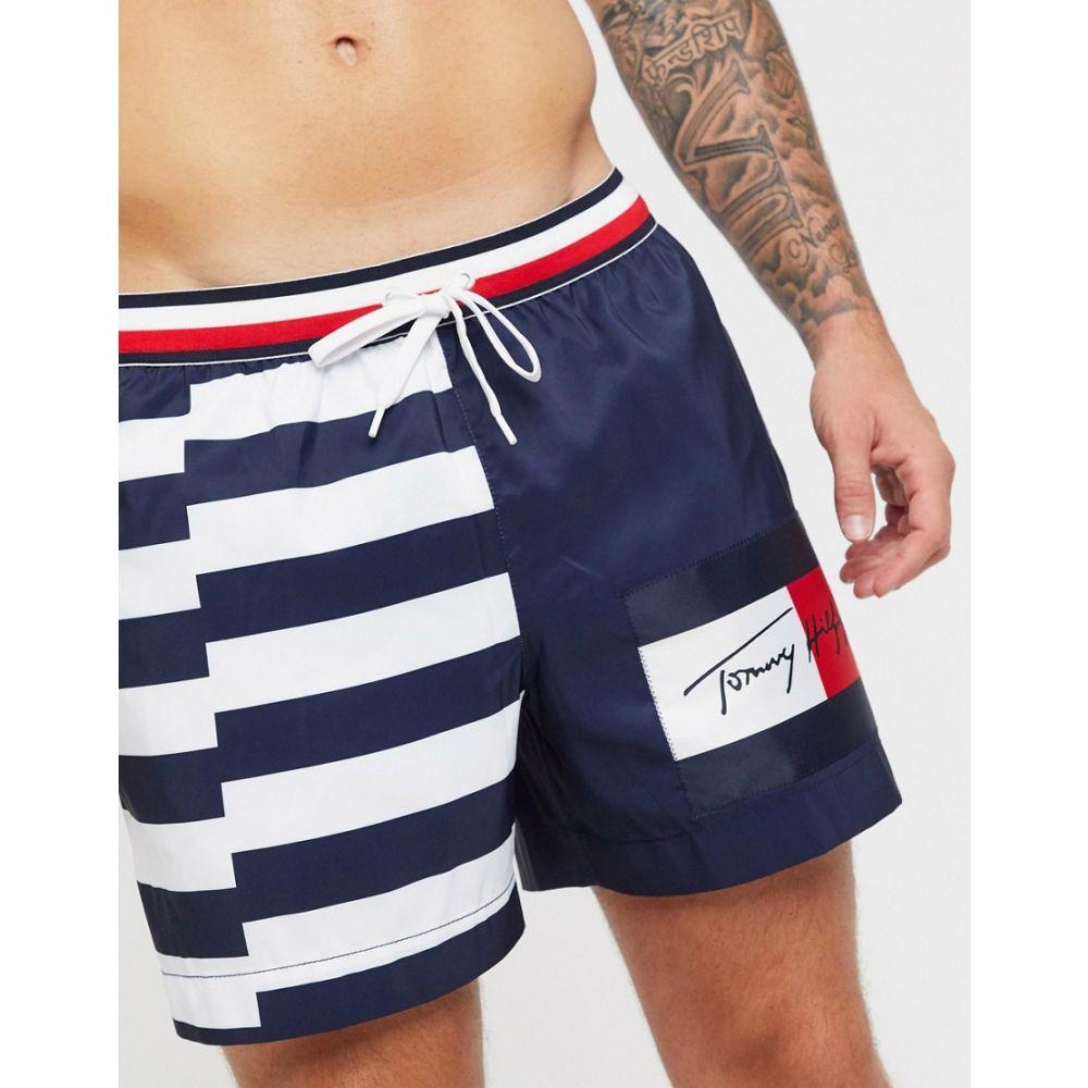トミー ヒルフィガー Tommy Hilfiger メンズ 海パン ショートパンツ 水着・ビーチウェア【half striped swim shorts with signature logo in navy】Broken str - pitch b