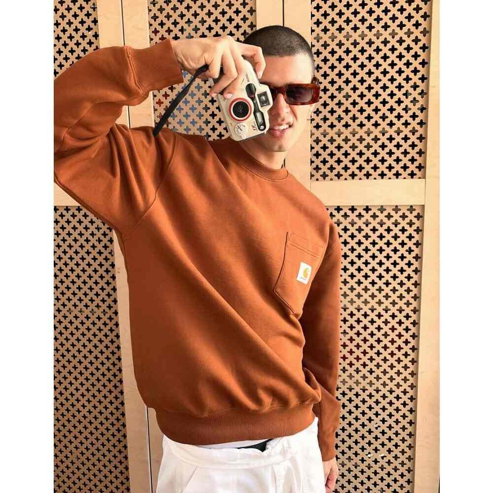 カーハート Carhartt WIP メンズ スウェット・トレーナー トップス【pocket sweatshirt in orange】Orange