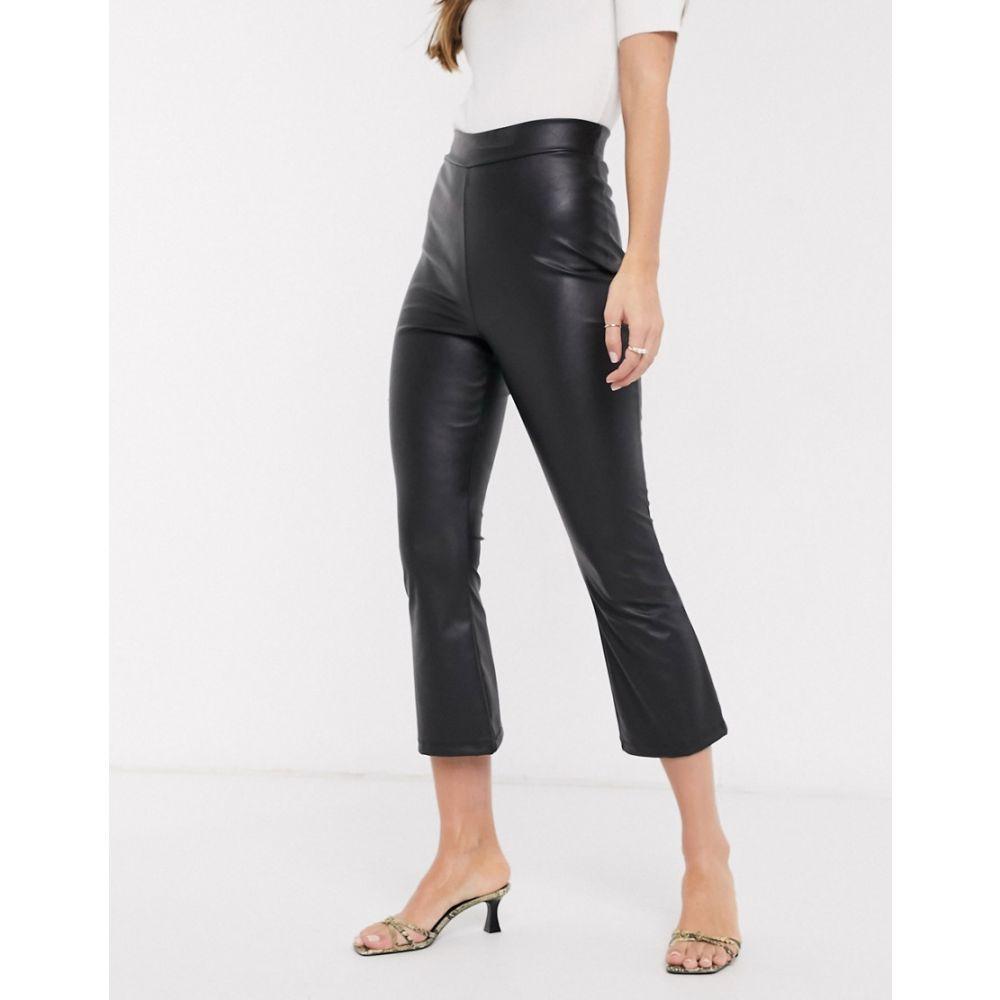 エイソス ASOS DESIGN レディース クロップド ボトムス・パンツ【cropped leather look kick flare trouser】Black