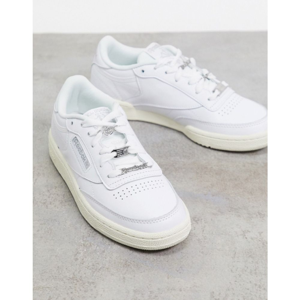 リーボック Reebok レディース スニーカー シューズ・靴【Club C 85 trainers in off white with contrast sole】Beige