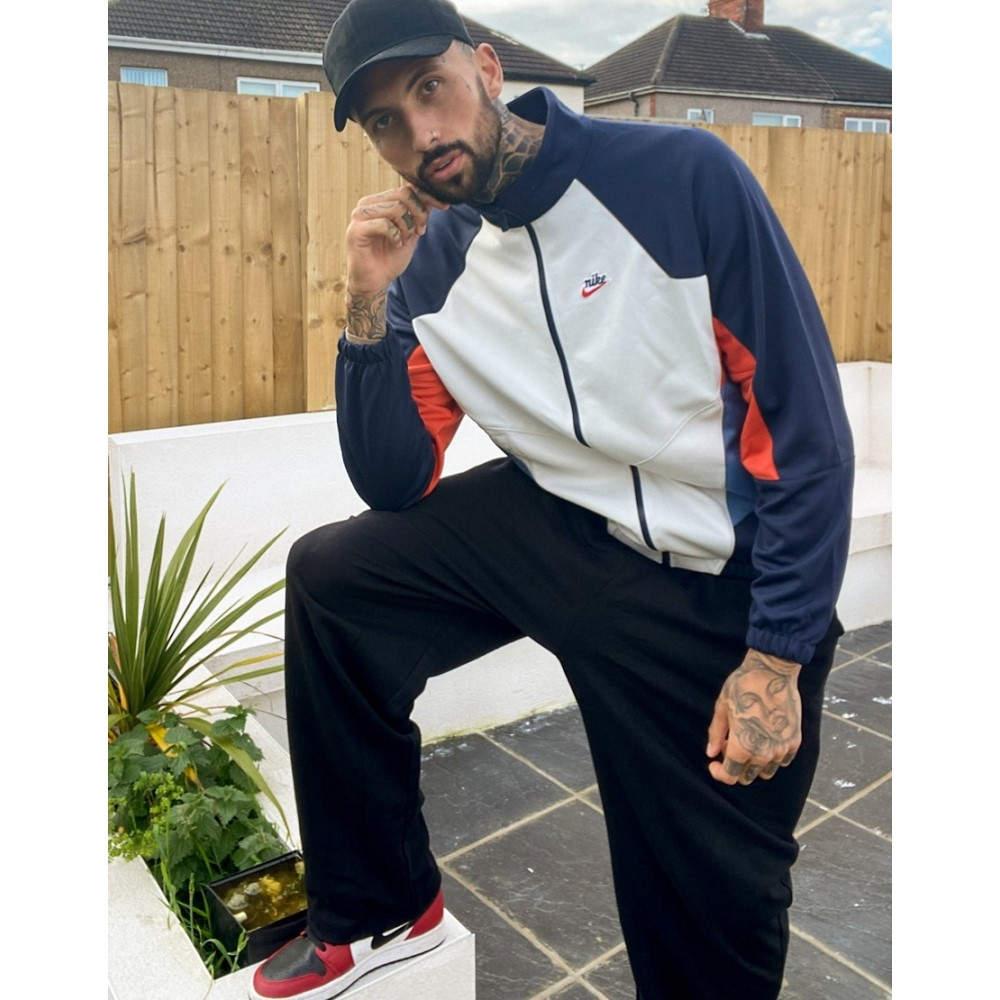 Nike メンズ Jacket White/Multi】White/multi ジャケット In ナイキ Essentials Windrunner Polyknit アウター【Heritage