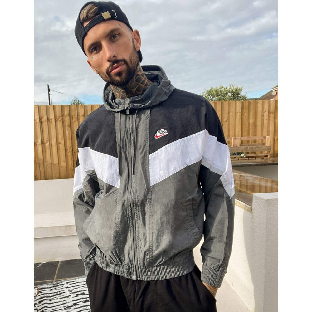 Jacket】Grey Essentials ナイキ Woven Nike Windrunner ジャケット アウター【Heritage メンズ